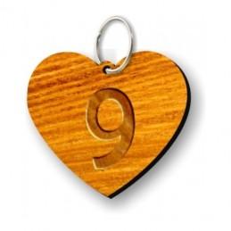 Portachiavi in legno a froma di cuore con incisione laser personalizzata indelebile.